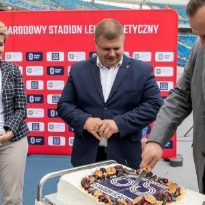 22072021---krojenie-tortu-65-lat-Stadionu-lskiego